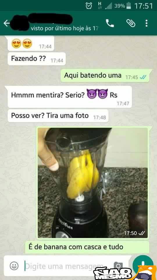 BATENDO BANANA COM LEITINHO - meme