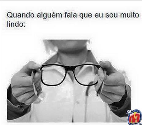Aheuahs. Use Óculos por favor - meme