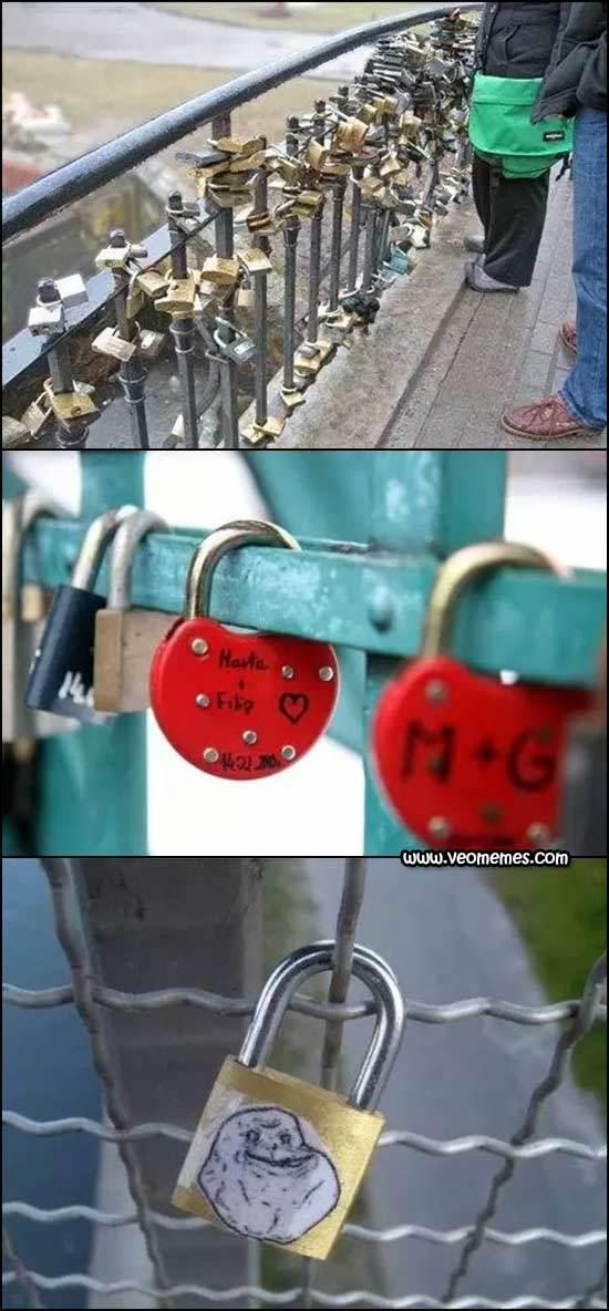 El mejor candado del puente del amor - meme