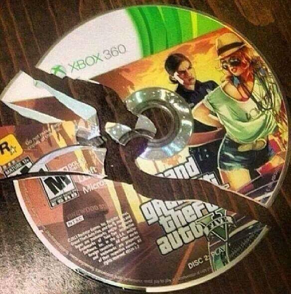 Mi Sobrino jugo con mi disco , Creo que alparecer afuera de la Xbox :'( - meme