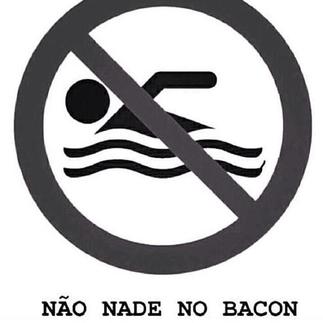 Não nade no bacon - meme