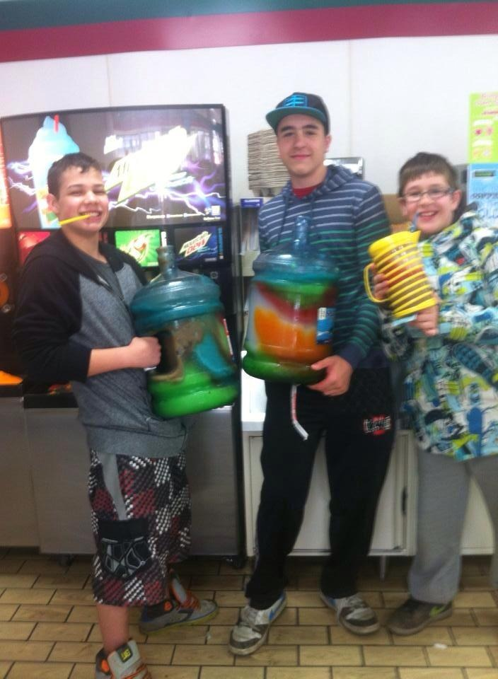 So this happend today. It was bring your own cup day at 711 :) - meme