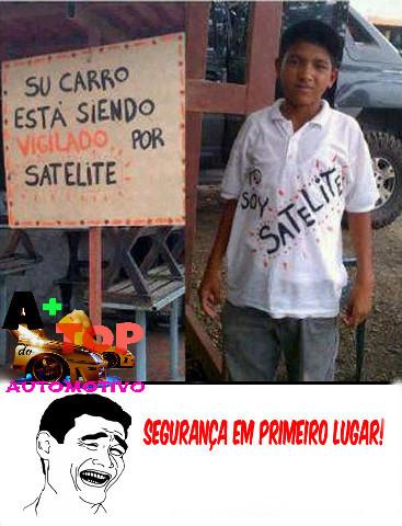 satélite kkk - meme